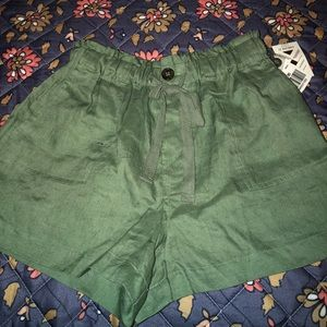 Olive High waisted shorts
